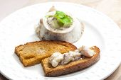 pic of marrow  - bone marrow with fried bread - JPG