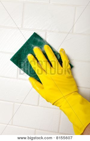 Cleaning Bathroom Tile Wall