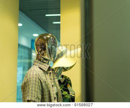 Robot Mannequin In Shop Window