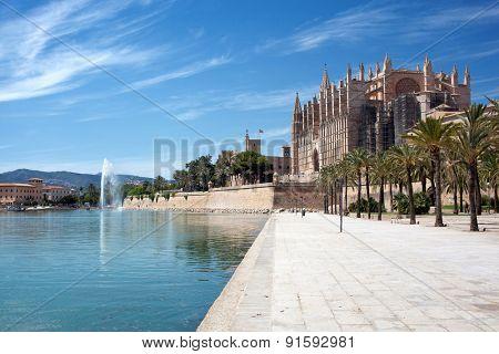 Photo of the Cathedral of Santa Maria of Palma de Mallorca