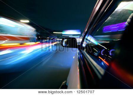 schnelle Autos fahren