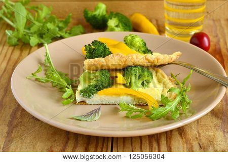 Omelet with broccoli and yellow pepper frittata