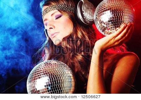 chica disco