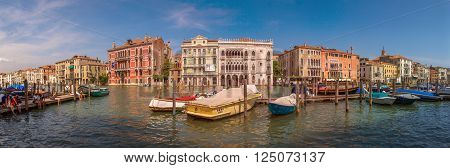 VENEZIA, ITALY - AUGUST 15: Grand Canal embankment panorama and Ca' d'Oro palace on August 15, 2015 in Venezia, Italy.