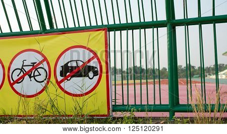Not allowed sign in running, No bikes, No Car