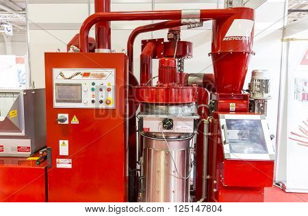 Red Recycling Machine