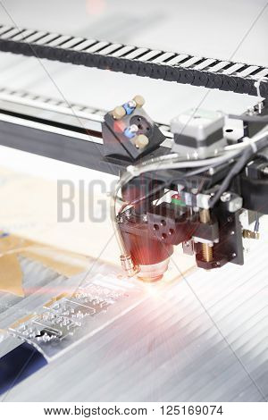 Cnc Laser Cutting Machine Cutting Acrylic Plate