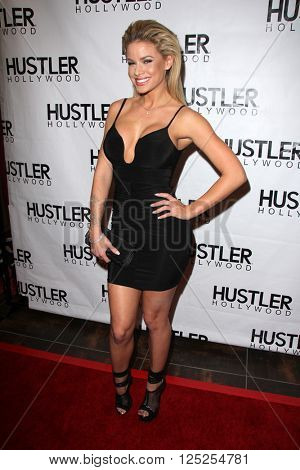 LOS ANGELES - APR 9:  Jessa Rose at the Hustler Hollywood Grand Opening at the Hustler Hollywood on April 9, 2016 in Los Angeles, CA