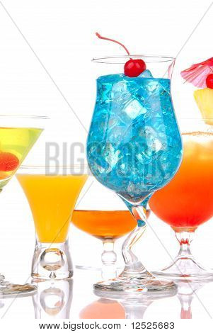 Most Popular Alcoholic Cocktail Drinks