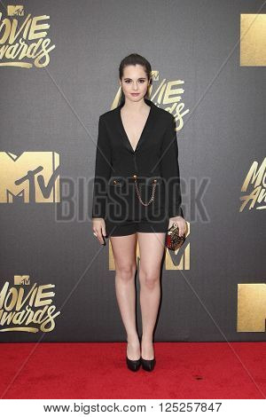 LOS ANGELES - APR 9:  Vanessa Marano at the 2016 MTV Movie Awards Arrivals at the Warner Brothers Studio on April 9, 2016 in Burbank, CA