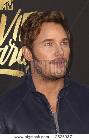 LOS ANGELES - APR 9:  Chris Pratt at the 2016 MTV Movie Awards Arrivals at the Warner Brothers Studio on April 9, 2016 in Burbank, CA
