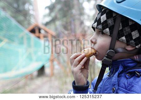 Child Has Cake