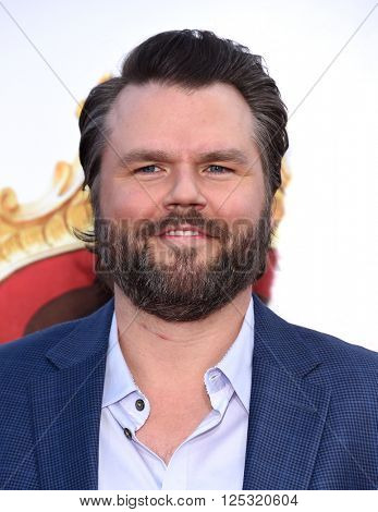 LOS ANGELES - MAR 28:  Tyler Labine arrives to the
