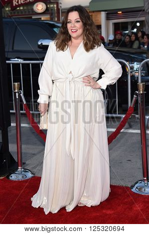LOS ANGELES - MAR 28:  Melissa McCarthy arrives to the