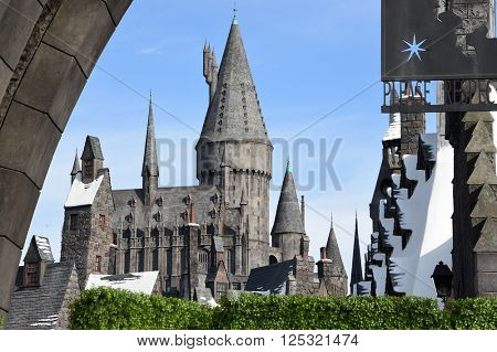 LOS ANGELES - APR 05:  Atmosphere arrives to the Wizarding World of Harry Potter Opening  on April 05, 2016 in Hollywood, CA.