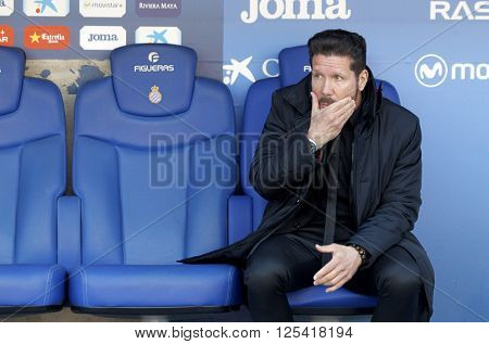 BARCELONA - APRIL, 9: Diego Simeone manager of Atletico Madrid during a Spanish League match against RCD Espanyol at the Estadi Cornella in April 9, 2016 on Barcelona, Spain