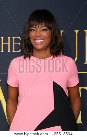 LOS ANGELES - APR 11:  Aisha Tyler at the The Huntsman Winter's War American Premiere at the Village Theater on April 11, 2016 in Westwood, CA