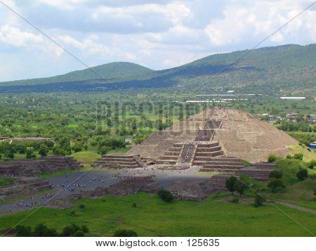 Pyramid Della Luna