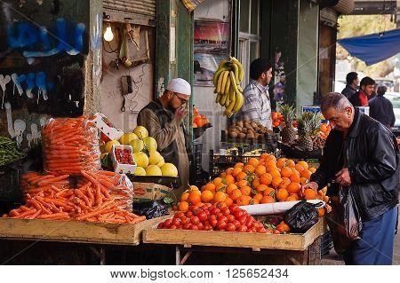 12 february 2007-aleppo-sirya-Fruit market in the city of Aleppo