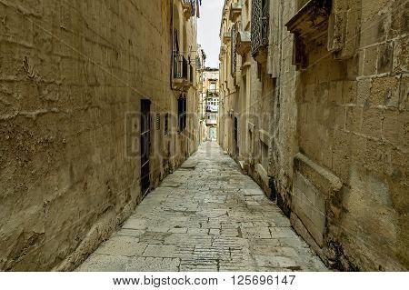 Between The Walls In Valletta