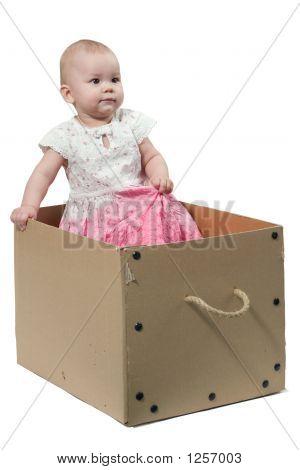 Bebê na caixa