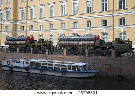 ST. PETERSBURG, RUSSIA - MAY 05, 2015: Morning at the river Sink before the rehearsal of parade in honor of Victory Day