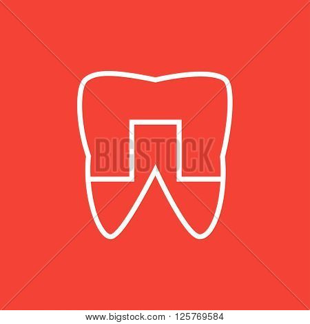 Crowned tooth line icon.