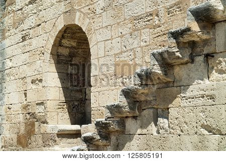 Aigues-Mortes (Gard Languedoc-Roussillon France): historic walls with steps