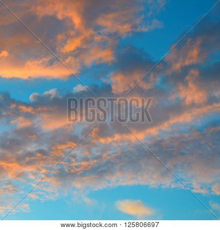 A beautiful sun rise and cloudy sky