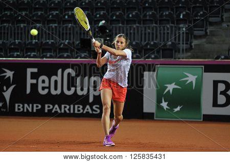 Tennis Player Annika Beck Training Before A Match