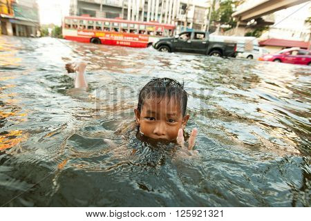BANGKOK , THAILAND - NOVEMBER 2, 2011 : 