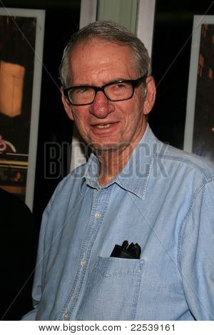 LOS ANGELES - MAY 8: Sid Sheinberg at the premiere of 'Made in Brooklyn' at the Regent Showcase in Hollywood, Los Angeles, California on May 8, 2007