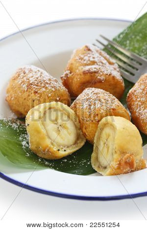fried banana fritters , pisang goreng