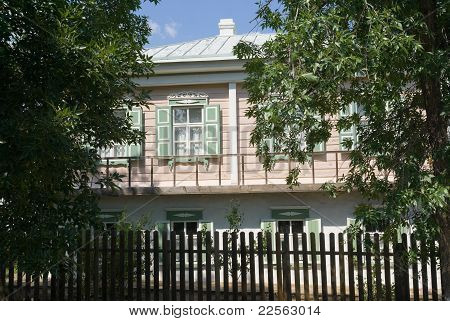 Cossack House In Veshenskaia