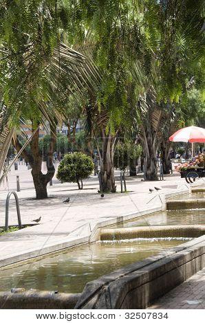 Parque acuático de Canal de periodistas escritores Bogotá Colombia