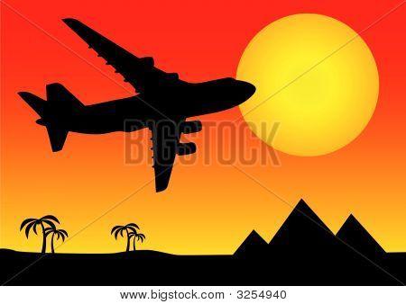金字塔上面的飞机