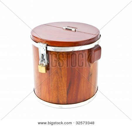 Piggy Bank Made ??of Wood With A Key Lock.