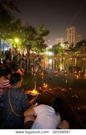 Loi Krathong Bangkok Lake Lights