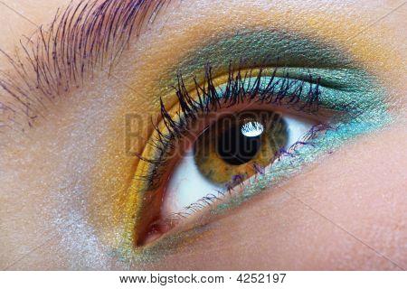 Maquiagem verde-amarelo