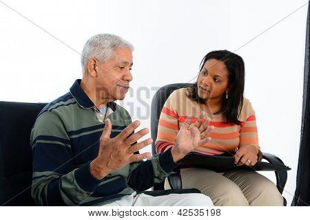 Necesitan tener una sesión de asesoramiento de la persona