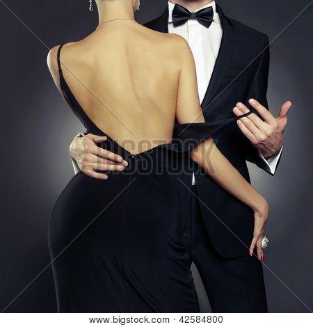 Konzeptionelle Foto von sexy Elegantes Paar in die zarte Leidenschaft