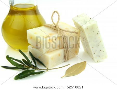 Natural soap with olive oil, daphne and poppy seeds .