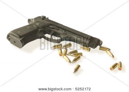 Semi-autos Gun With Fourteen Bullets