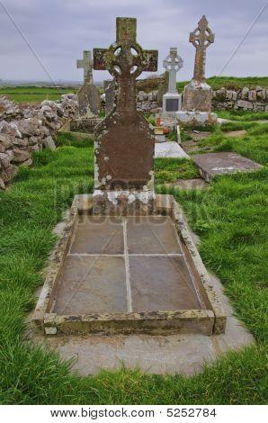 Vibrant Celtic Grave