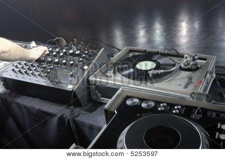Dj Gear Soundcheck