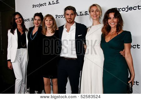 NEW YORK- OCT 17: Actor Dave Annable (c) attends the Project A.L.S. 15th Anniversary benefit at Roseland Ballroom on October 17, 2013 in New York City.