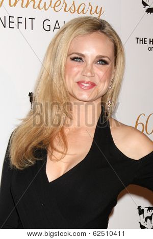 LOS ANGELES - MAR 29:  Fiona Gubelmann at the Humane Society Of The United States 60th Anniversary Gala at Beverly Hilton Hotel on March 29, 2014 in Beverly Hills, CA