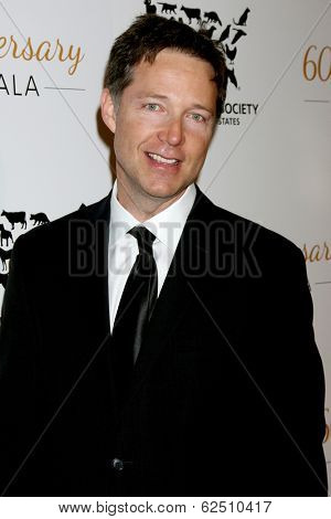 LOS ANGELES - MAR 29:  George Newbern at the Humane Society Of The United States 60th Anniversary Gala at Beverly Hilton Hotel on March 29, 2014 in Beverly Hills, CA