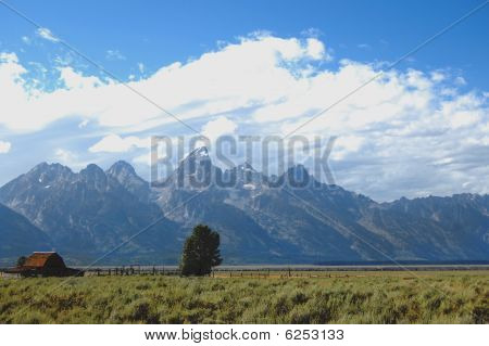 Grand Tetons Mormon Row Farmhouse