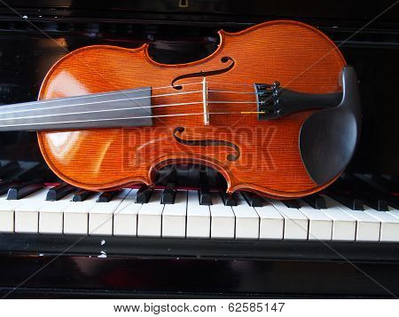 Violin on the Piano